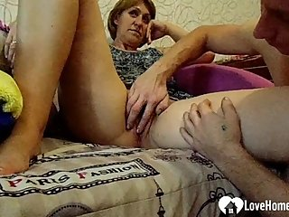 Stepmom gets her pussy fingered with passion