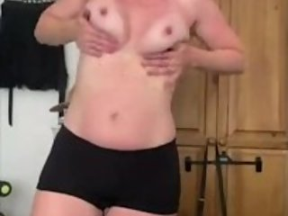 Mom flashes tits and plays with them