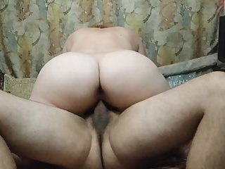 BEST FRIEND FUCKS TEEN MILF WITH BIG TITS. BIG ASS. HANDJOB. SEX ON WEBCAM