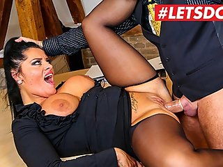 Bums Buero - German Big Tits PAWG Secretary Fucking Mature Boss - LETSDOEIT