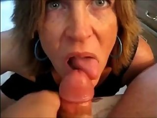 Hot milf suck dick and get cum on tongue