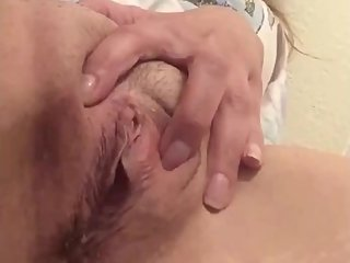 GfТs throbbing clit cums so hard!