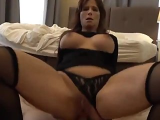 American mature wife gets anal creampie from tourist in Prague on vacation