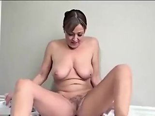 Sexy Milf Shaves her hairy pussy