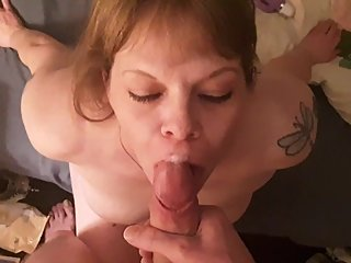 Hot wife takes cumshot to face