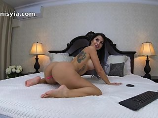 stuffed pussy - anisyia livejasmin in 4k @70fps