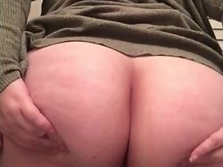 Wanna fuck my ass spreading it for you