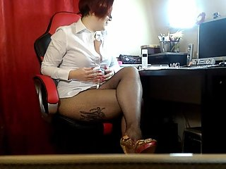 Preview: Offcie secretary in stoking showling her tits, pierced pussy ass